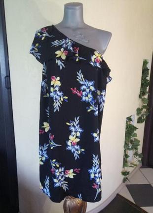Легкое платье с рюшем,на одно плечо,батал