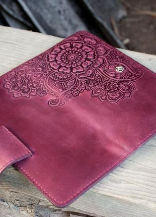 Кошелек женский кожаный длинный марсала бордо с орнаментом тиснение3 фото