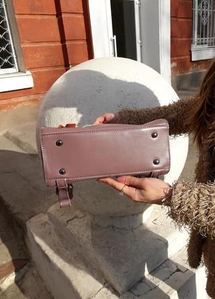 Женская кожаная сумка розовая рюкзак пудровый кожаный вместительный качественный стильный5 фото
