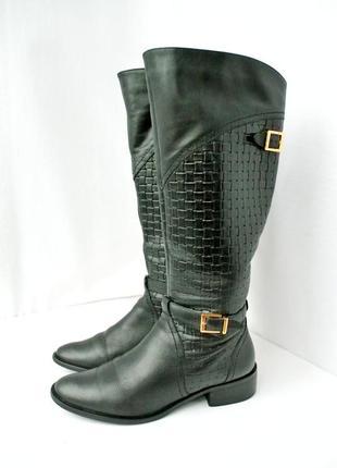 Стильные и модные брендовые кожаные сапоги max на каблуке. размер 38.
