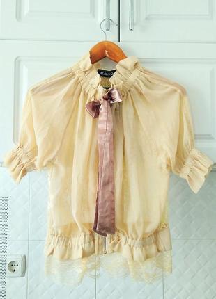 Ажурная блуза с кружевом на спине