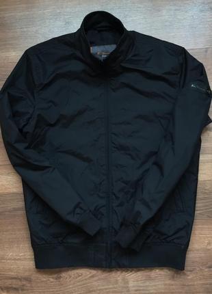 Отличная куртка ветровка ben sherman