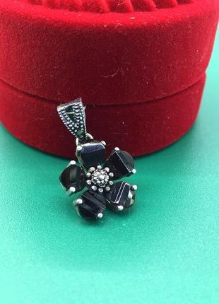 Кулон в виде цветка с гранатом, капельное серебро