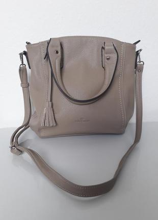 Удобная вместительная сумочка tom tailor