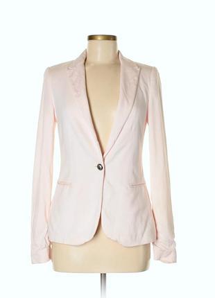 Zara пудровый розовый пиджак жакет s из мягкого летнего трикотажа на катоновой подкладке