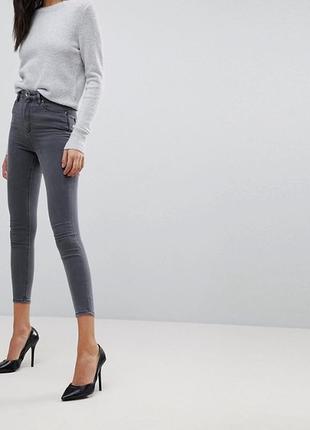 Серые укороченные джинсы скинни узкачи мом капри светлые американки