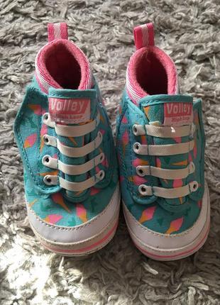 Пинетки - кеды ботинки кроссовки.на шнурках.