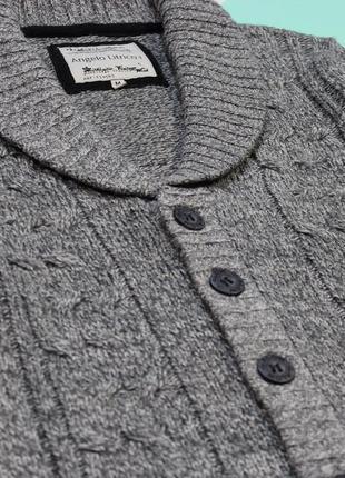 Красивый свитер-кардиган с рельефной вязкой от angelo litrico