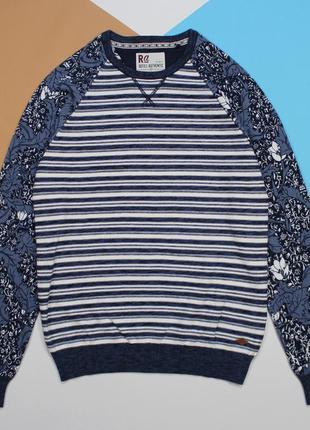 Симпатичный свитерок с флорой на рукавах от refil-clothing