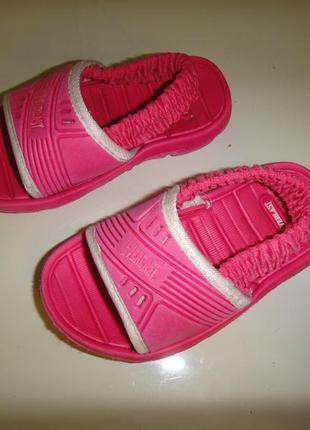 Супер легкие босоножки сандалии everlast