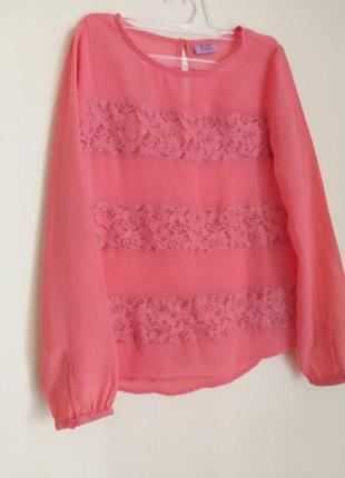 Нарядна блузка для дівчинки кольору фуксія з мережкою 7-8 років