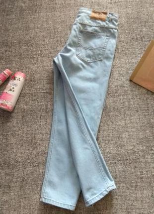 Укороченные джинсы из плотного котона# мом# бойфренды#высокая посадка-размер 34/l