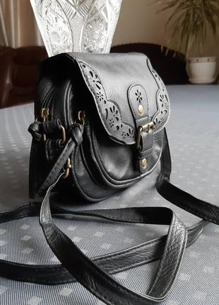 Черная красивая круглая сумка кроссбоди фирмы atmosphere2 фото