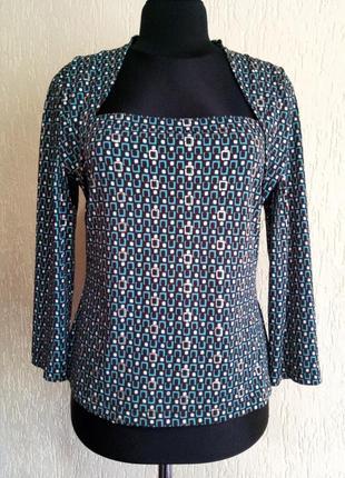 Эффектная блуза с геометрическим принтом от libra