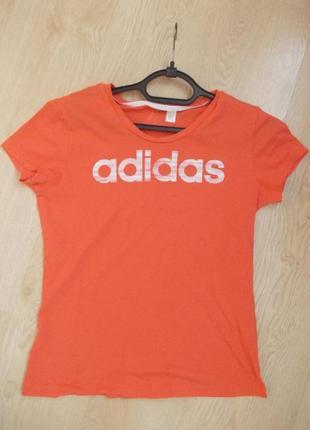 В наличии футболка фирма adidas