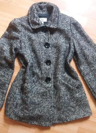 Демисезонное пальто mango как новое !!!