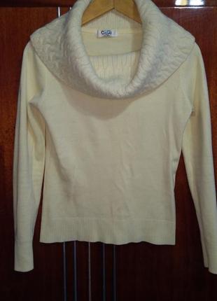 Теплий светр з вором із ангори)