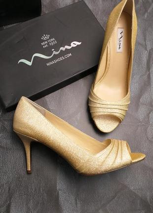Nina оригинал золотистые туфли на шпильке бренд из сша1 фото