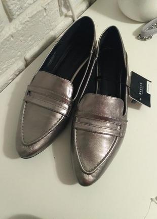Крутые лофферы,  балетки, туфли  mohito - очень удобные (серебро)