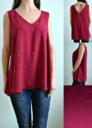 Блуза с красивым вырезом на спине