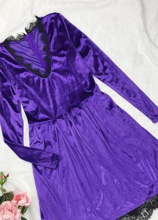 Фиолетовое бархатное велюровое платье с кружевом