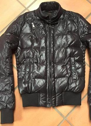 Куртка на пуху ,классный бренд ,супер качество