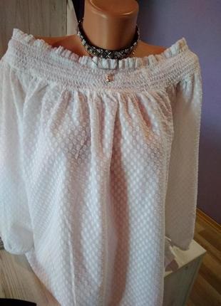 Стильная блузка на резинке с открытыми плечами без дефектов крутая модель