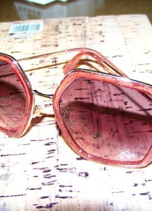 Крупные очки-стрекозы с металлическими дужками блестками и дымчатой винной линзой2 фото
