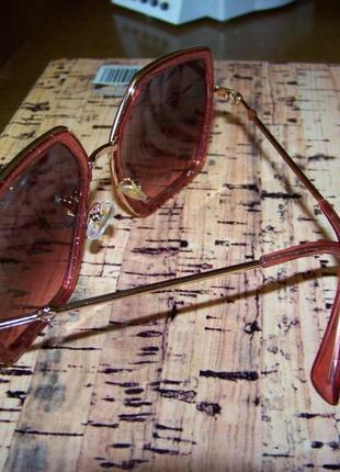 Крупные очки-стрекозы с металлическими дужками блестками и дымчатой винной линзой4 фото