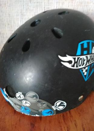 Шлем hot wheels.