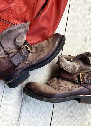 Черевики ,чоботи,ботинки airstep