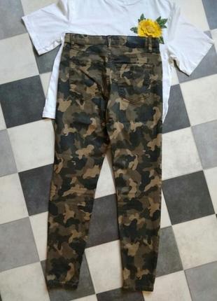 Камуфляжные джинсы брюки высокая посадка stradivarius4 фото