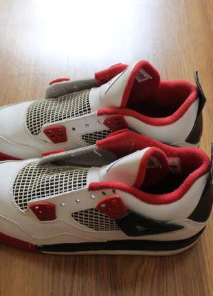 Крутейшие баскетбольные высокие кроссовки nike air jordan 4 retro fire red