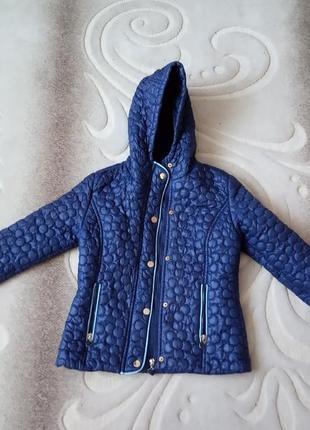 Курточка на дівчинку. весна. 8-10 років