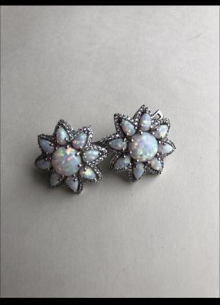 Серебряные серьги «белый опал»