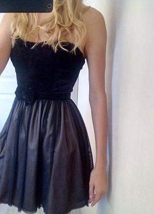 Платье без плечей