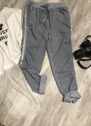 Стильные голубые котоновые штанишки .италия3 фото