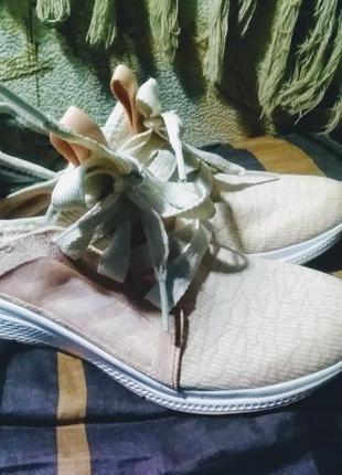 """Отличные кроссовочки, невесомые адидас,  материал """"дышащий верх"""""""