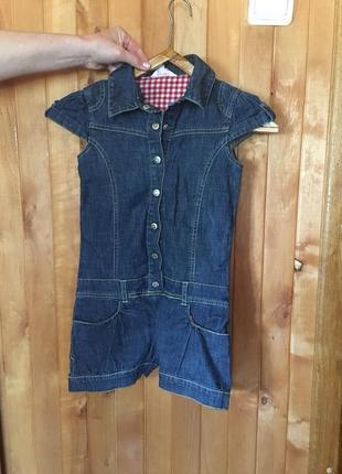 Прекрасный джинсовый комбинезон для девочки с шортами. на 6-7 лет.