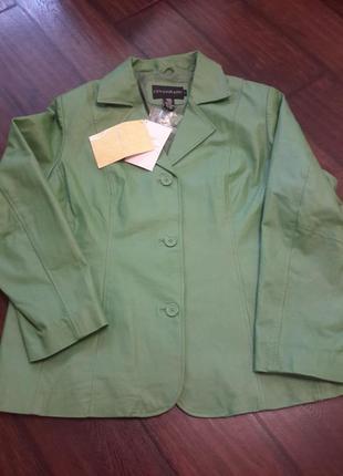 Стильная куртка/жакет под кожу классика