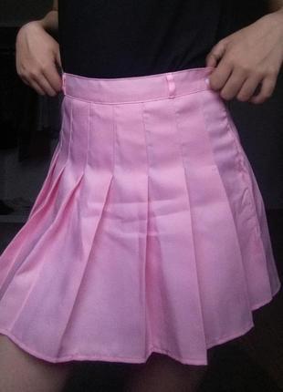 Розовая мини юбка тенисная плисированная