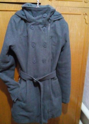 Пальто женское демисезонное, шерстяное, подкладка меховая, на 46 размер