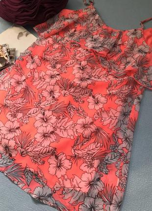 Яркое платье /сарафан на тонких бретельках размер хс/с