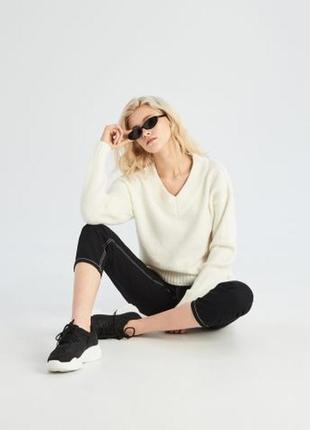 Легкий пуловер в составе лен