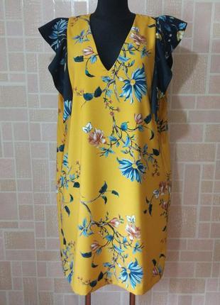 Новое платье в яркий цветочный принт , от бренда marks & spencer.