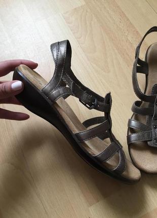 Кожаные сандали босоножки clark's