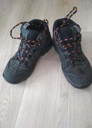 Ботинки jack wolf оригинал размер: 40 -41