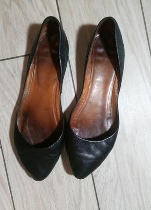 Туфли лодочки босоножки сандали кожа чешки слипоны
