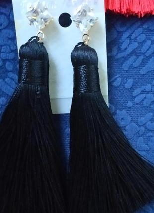 Серьги кисти сережки черные вечерние выпукс