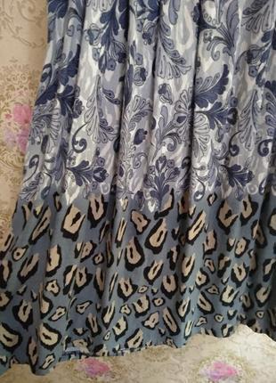 Красивое платье необычной расцветки2 фото